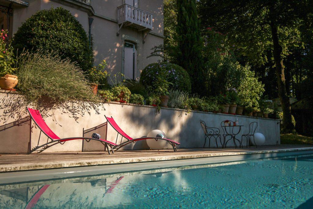 Venez vous reposer et profiter du soleil autour de la piscine du gite du Clos d'Abrigeon