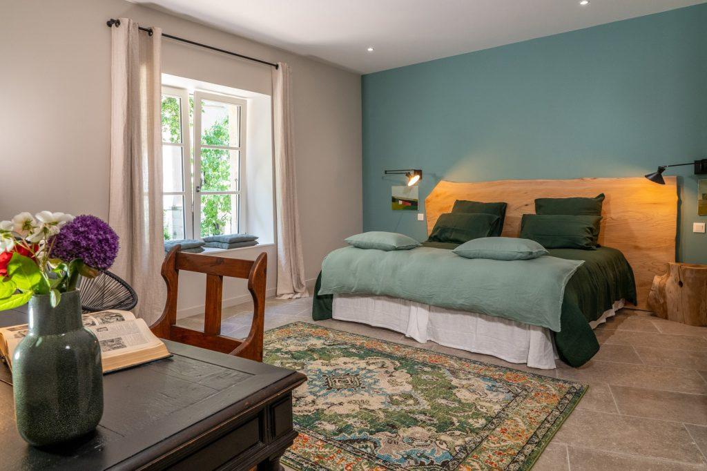 La chambre mélèze avec un grand lit deux places, pouvant se séparer.