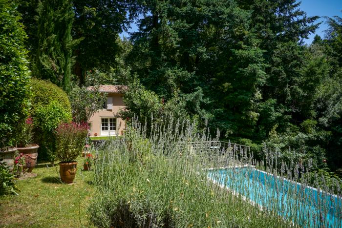 Gite avec piscine, terrasse et jardin en Arèche prêt de Vallon Pont d'Arc